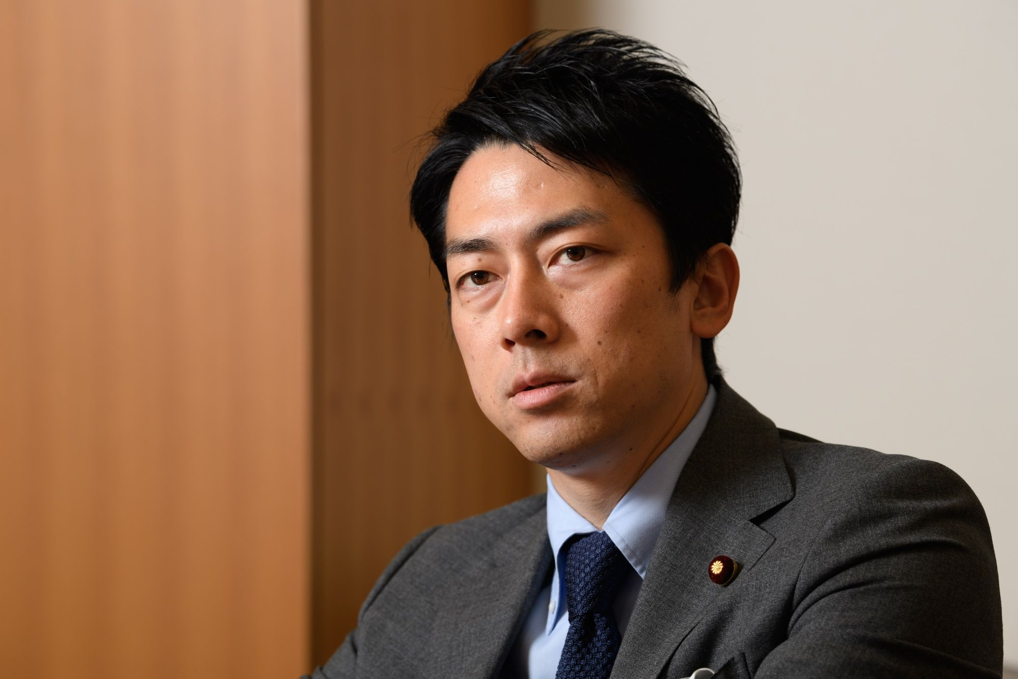 Japan Cabinet Star Set to Make History With Paternity Leave