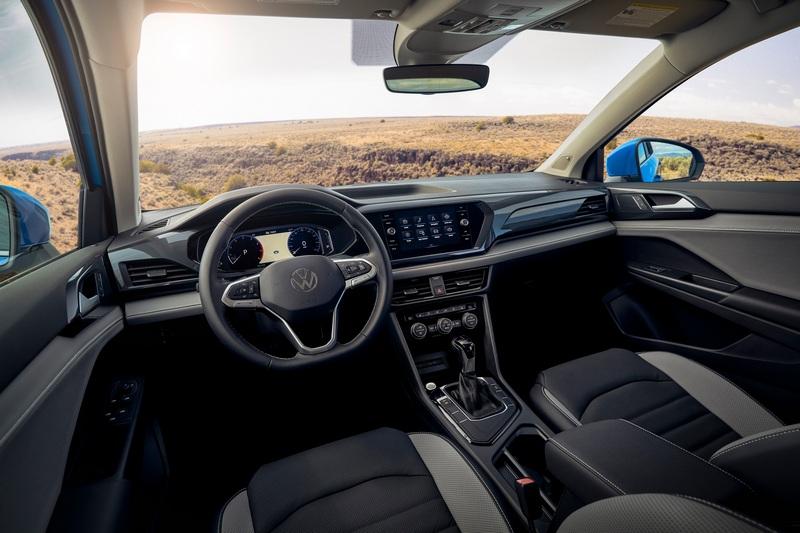 座艙設計則採用與現行世代車型設計。