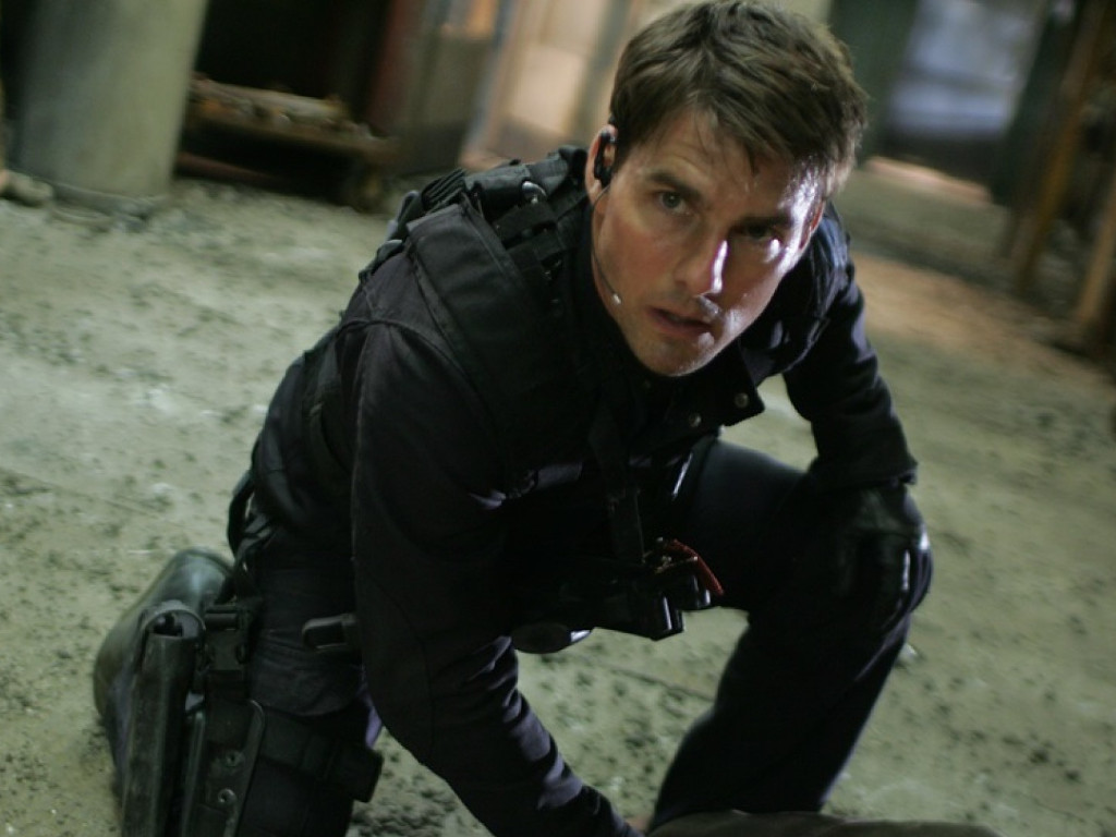"Tom Cruise is pulling all stops to make sure ""Mission: Impossible 7"" resume filming again this fall."