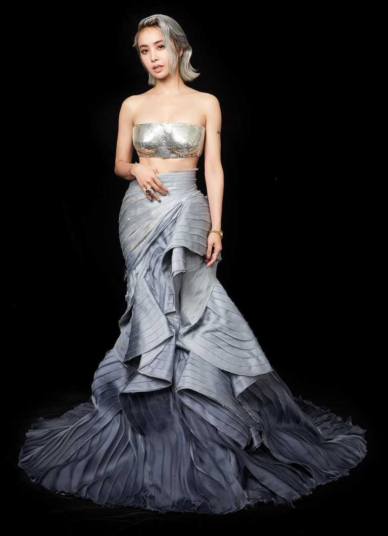 金曲歌后蔡依林佩戴寶格麗珠寶,擔任第31屆金曲獎壓軸頒獎嘉賓,演繹浪漫兼具前衛感的完美造型。(圖╱BVLGARI提供)