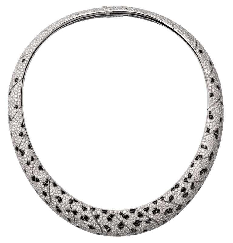 Cartier「Panthère de Cartier」系列頂級珠寶美洲豹項鍊╱20,300,000元。(圖╱Cartier提供)