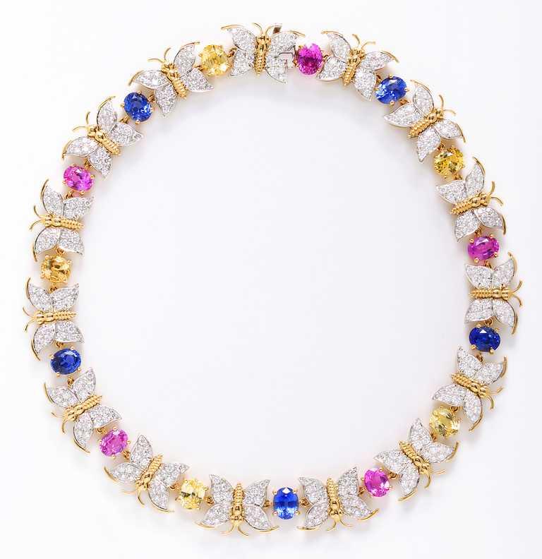 TIFFANY & CO.「Jean Schlumberger」系列高級珠寶,花葉設計藍寶石與鑽石耳環╱5,000,000元。(圖╱TIFFANY & CO.提供)