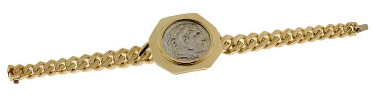 BVLGARI「Monete」系列頂級黃K金古幣手鍊╱1,000,000元。(圖╱BVLGARI提供)