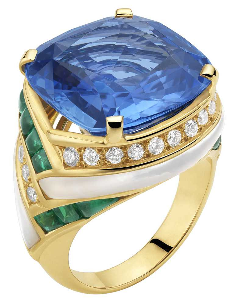 BVLGARI頂級藍寶石與祖母綠戒指╱14,000,000元。(圖╱BVLGARI提供)