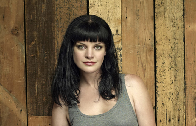 "Pauley Perrette's 'NCIS' Assault Claims Involving Mark Harmon Have Been ""Resolved"", CBS Boss Says – TCA"