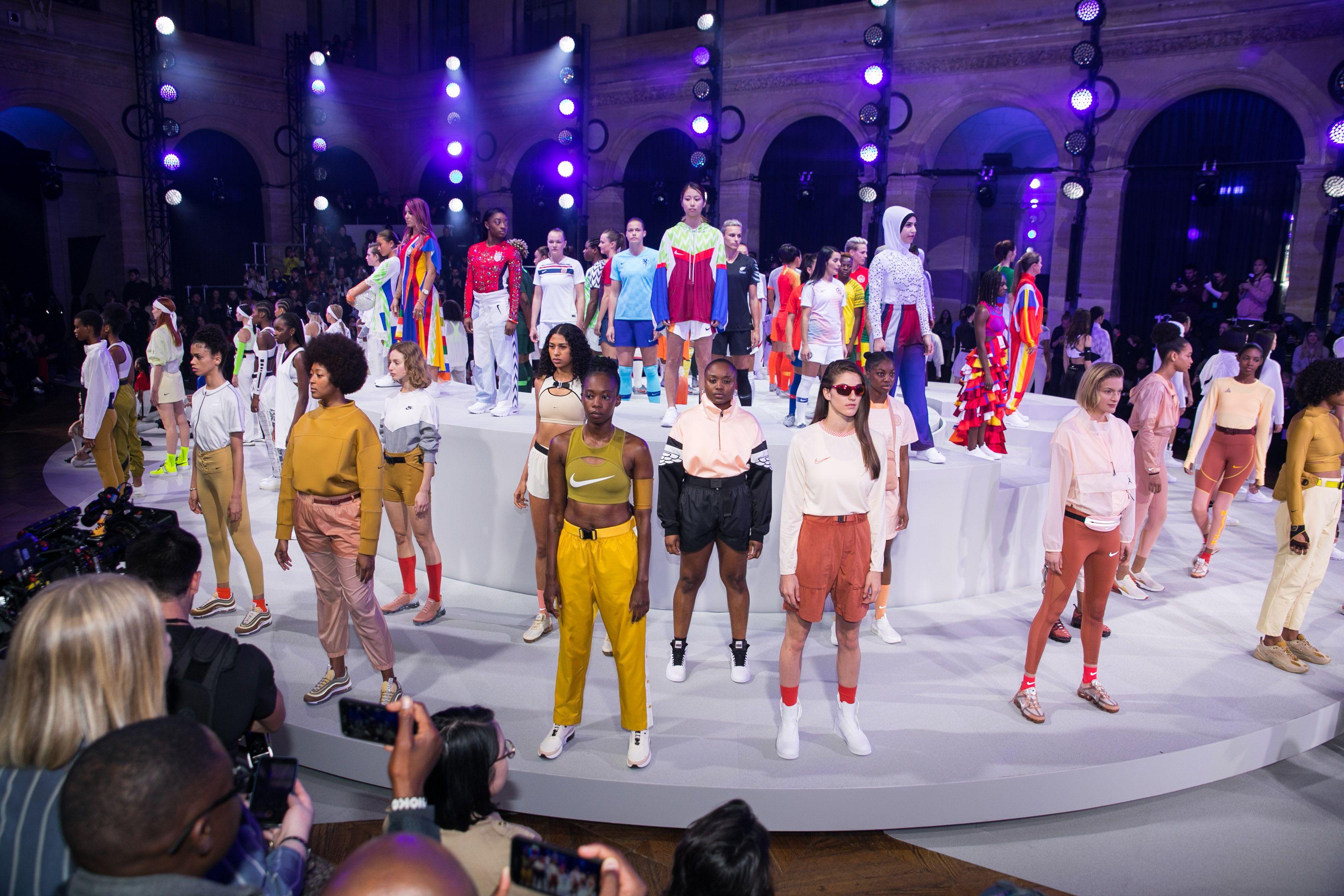 NIKE 到巴黎辦時尚秀 昆凌、周冬雨也朝聖! 今年最厲害的時髦運動單品一次搶先看