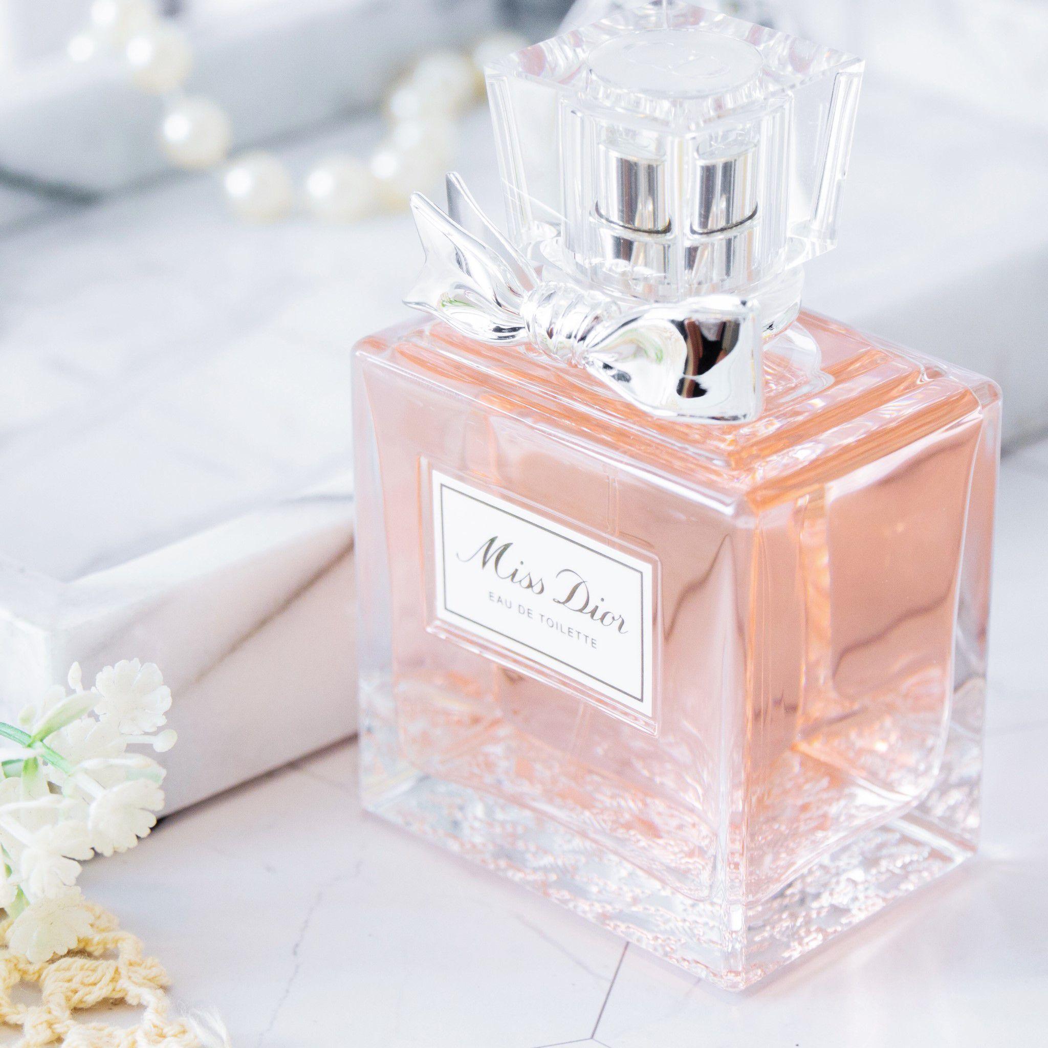 全新Miss Dior淡香水 50ML NT$3,300 /100ML NT$4,650