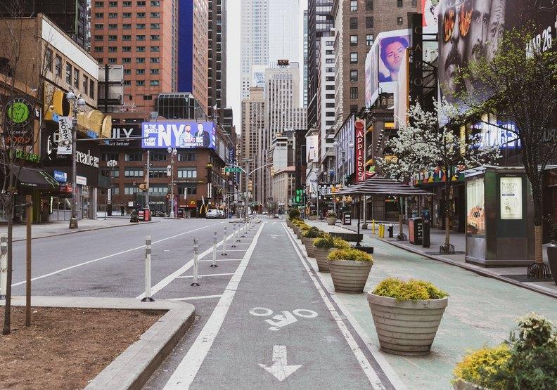 曼哈頓百老匯大街上異常安靜