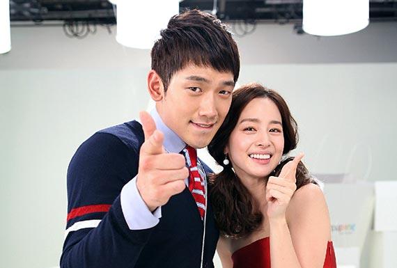 演員兼歌手Rain(35歲)和演員金泰希(37歲)交往五年終於修成正果。兩人將於1月19日在首爾某教堂完婚,預計將在雙方家屬的見證下低調舉行婚禮。