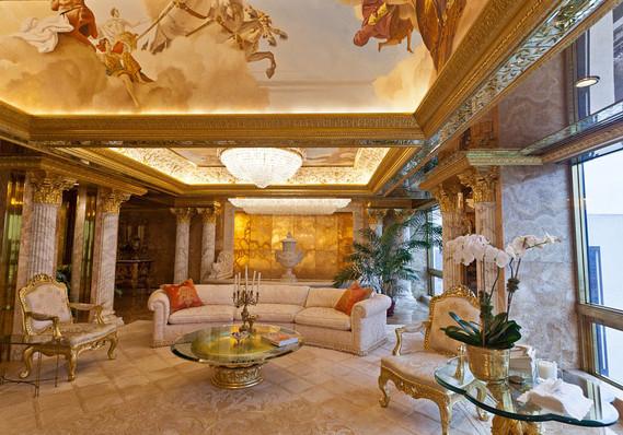 特朗普與現任妻子梅拉尼亞主要住在紐約市特朗普大樓頂部的三層公寓中。該住宅的裝修極為豪華,裝修材料包括24K金和大理石。由Angelo Donghia操刀的室內裝潢模仿了路易十四時期的宮廷風格,屋頂裝飾著巨幅畫作,另有廊柱和水晶吊燈等奢華元素。此外,特朗普位於棕櫚灘的大宅面積超過10,000平方米。特朗普於1985年花費1,000萬美元買下它,那時該房產擁有126個房間。經過改造,該房屋據稱有58間臥室,33個衛生間,其主餐桌長達8.8米,桌面以大理石打造。此外,該大宅還有12個壁爐和3個避難室。特朗普於1995年將該房產轉移至Mar-A-Lago俱樂部名下。