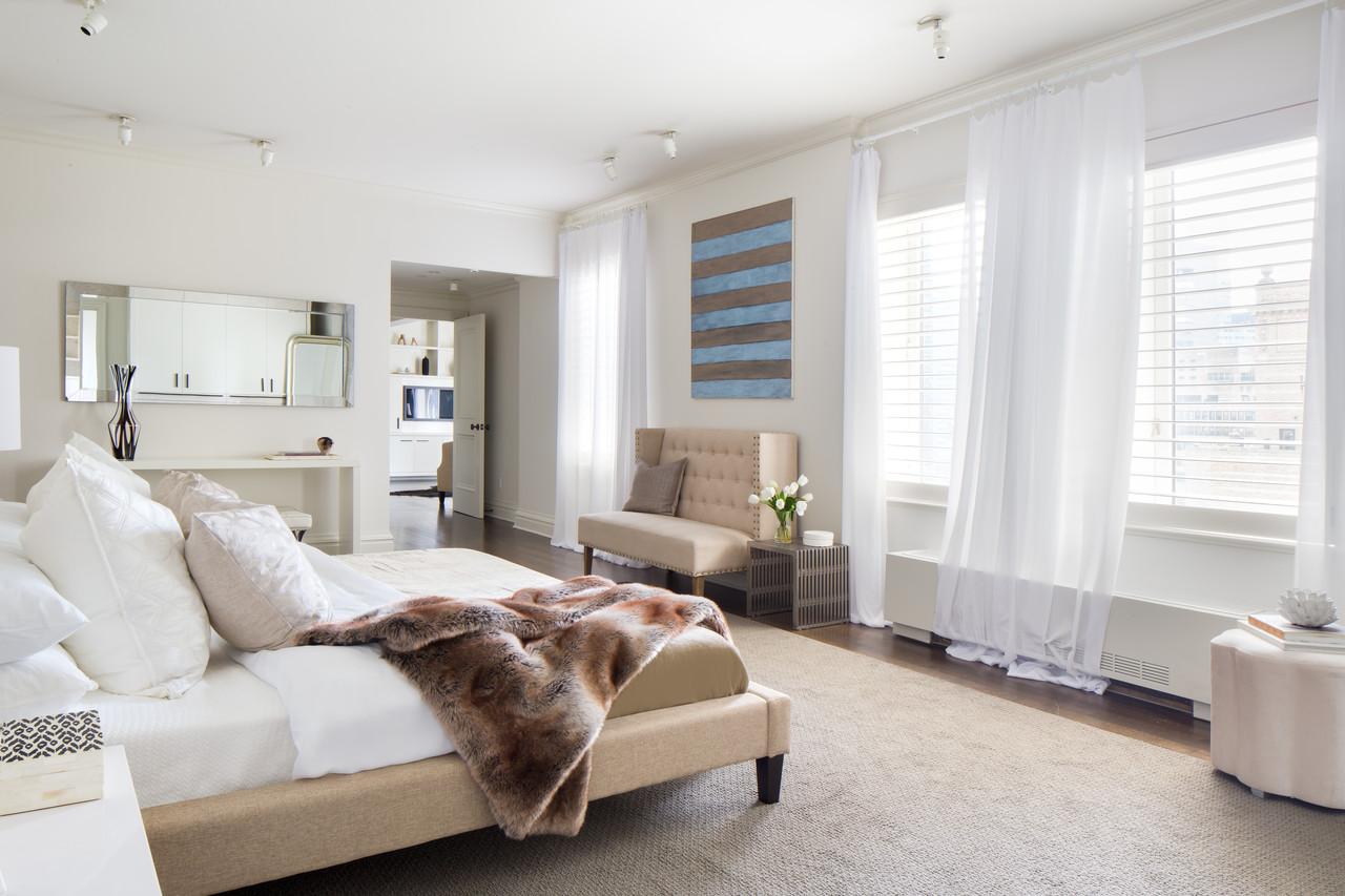 這套公寓獨佔一整層樓,圖為其中的一間臥室。