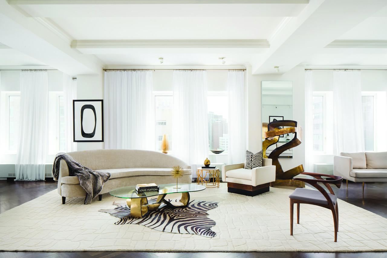 據代理經紀人米歇爾﹒格裡菲思(Michelle Griffith)透露,特朗普(Donald Trump)以2,100萬美元(折合人民幣約1.3億元)的價格售出了一套位於紐約市特朗普公園大道公寓樓(Trump Park Avenue)裡的頂層套房。