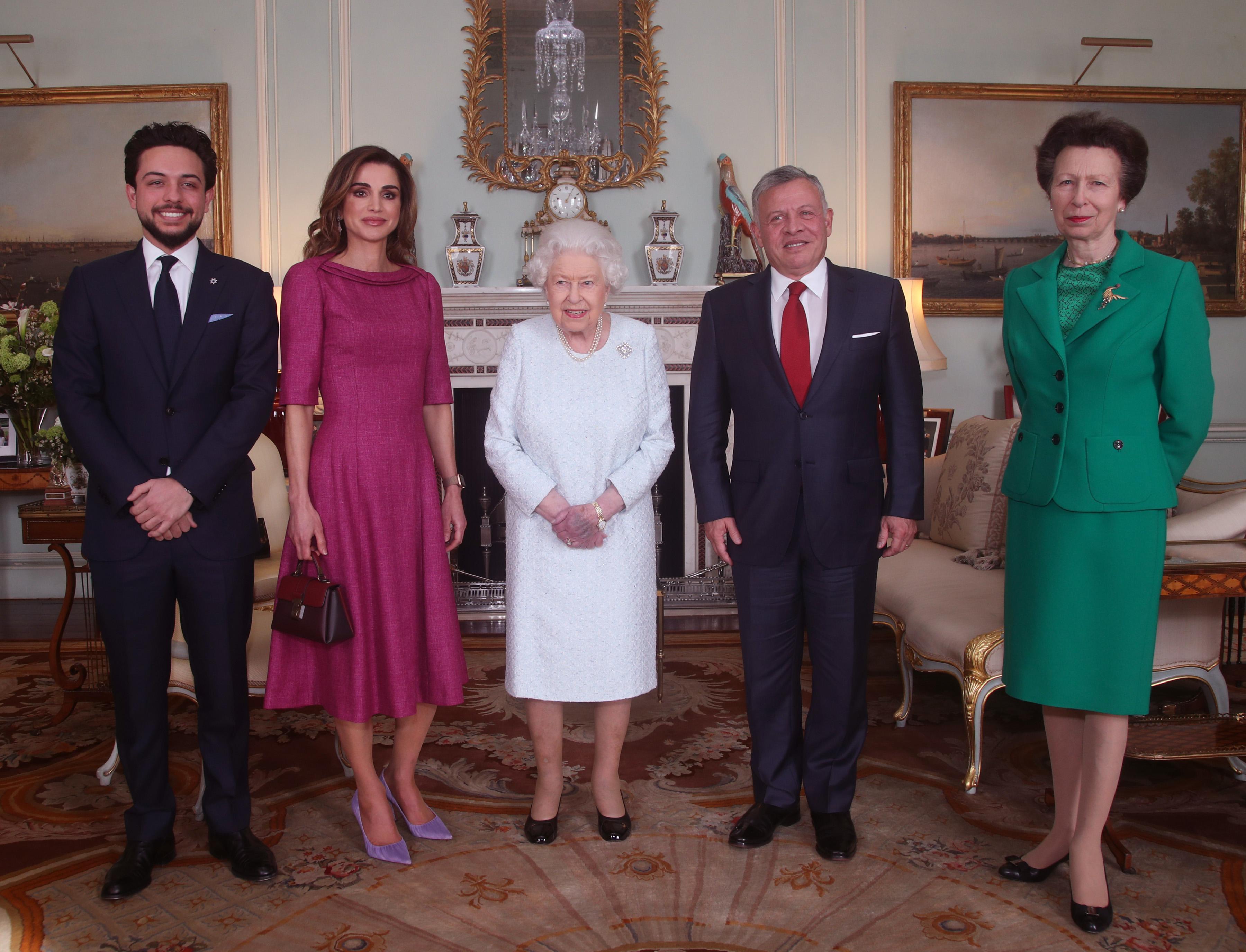 金蘋果平臺安全登錄/英國女王伊麗莎白二世:這