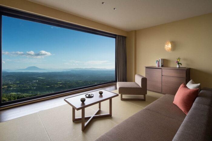 房內大片窗景