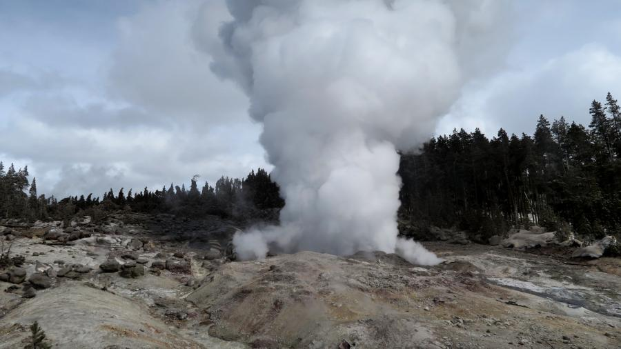 Yellowstones Steamboat Geyser Is Incredibly Active Right Now, and We Dont Know Why