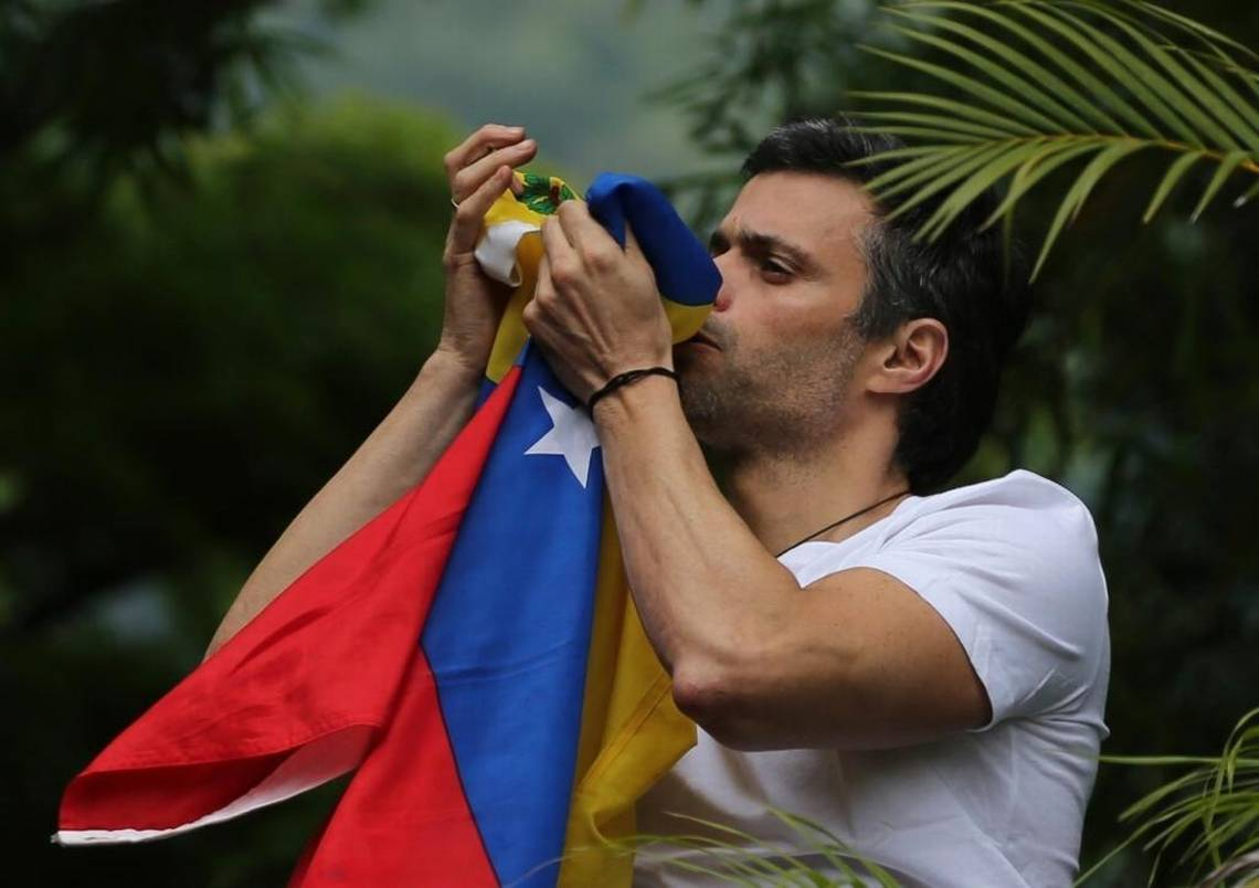 Opposition leader flees Venezuela, heads towards Spain and the United States