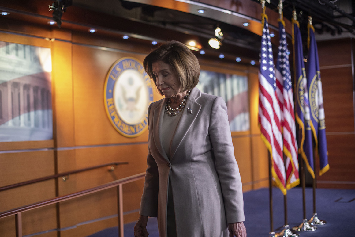 Pelosi and McConnell make push on spending deal — but Trumps wall looms