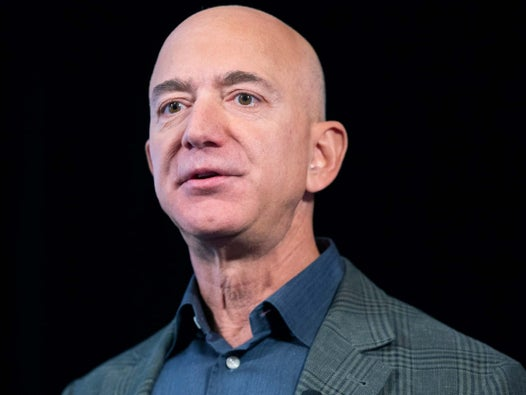 Jeff Bezos's girlfriend gave Amazon boss's 'flirtatious texts' to brother who leaked to National Enquirer, report claims