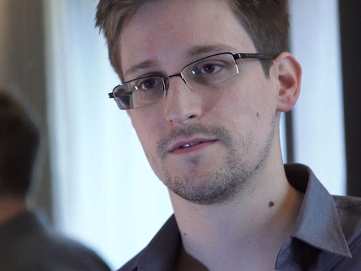 Edward Snowden 'would love' to be granted asylum in France
