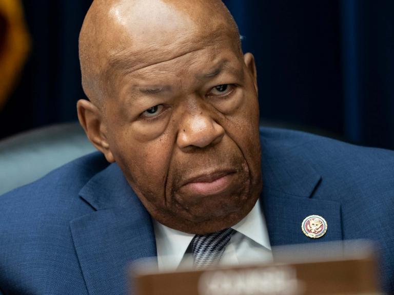 Trump renews attack on black congressman Elijah Cummings and says he should 'investigate himself'
