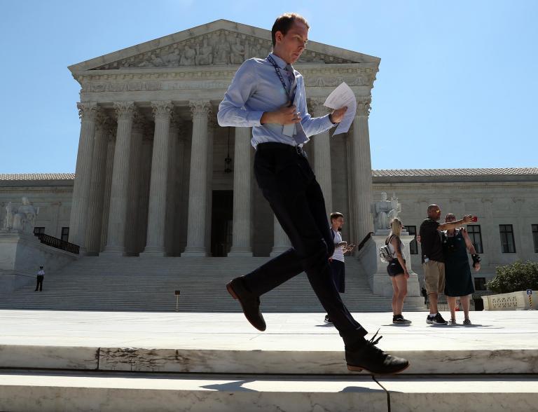 Supreme Court majority strikes down efforts to stop gerrymandering