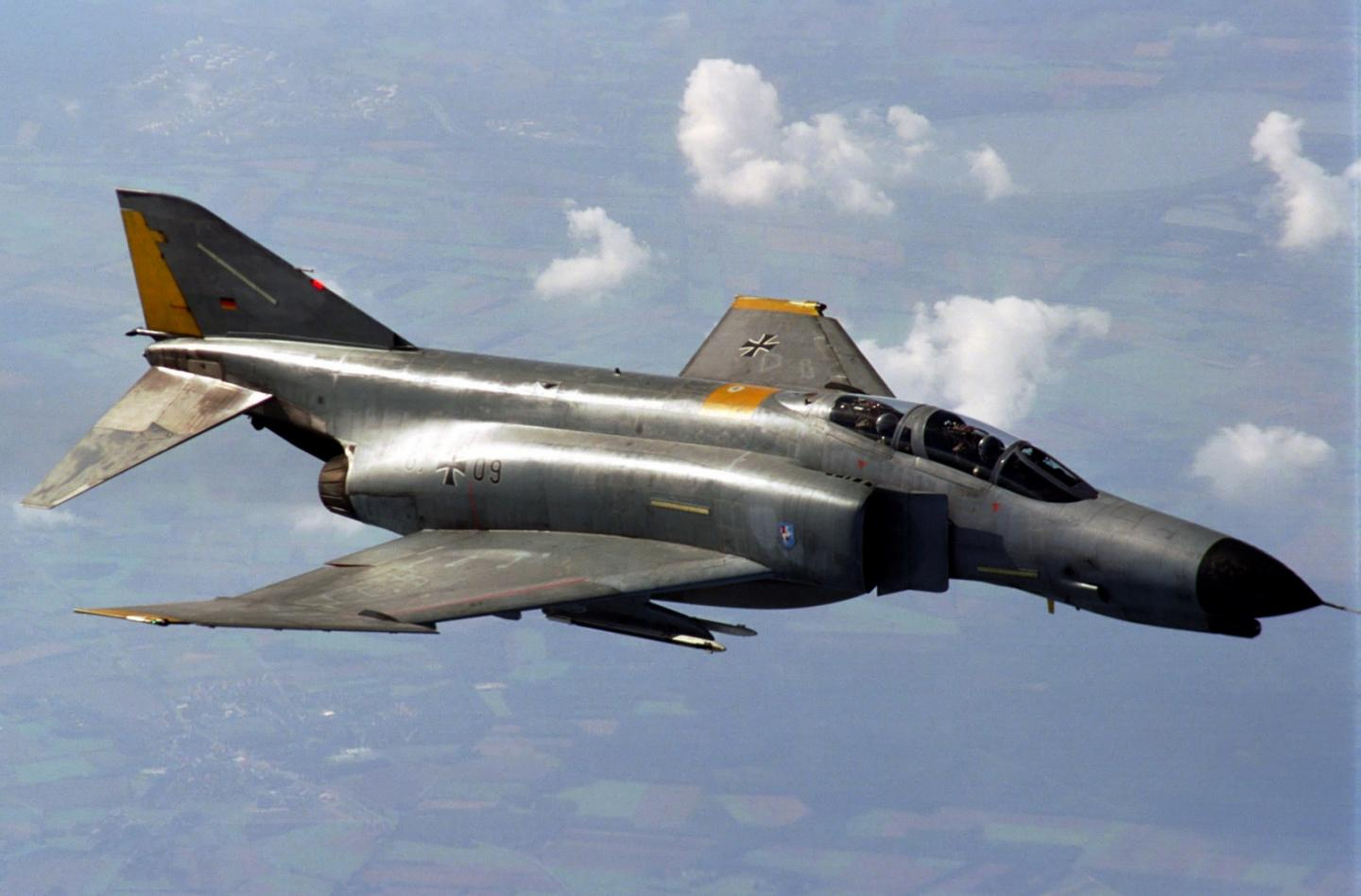 Irans Air Force Just Lost a Fighter Jet: U.S. Made F-4 Phantom Just Went Down