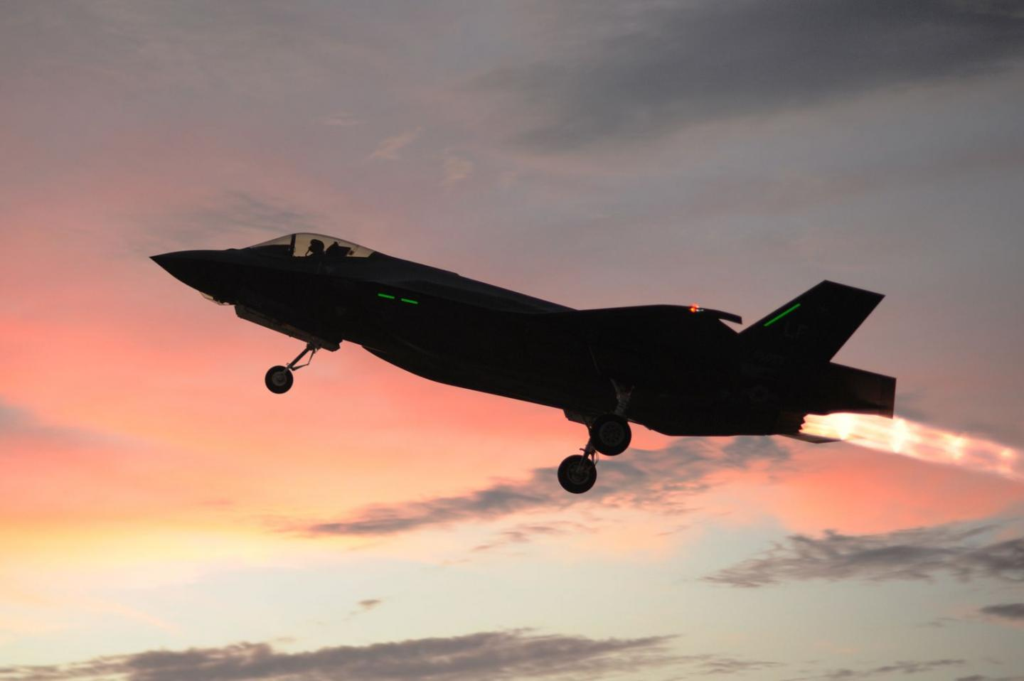 Russia Thinks Americas Stealth Fighters Are Paper Fiction
