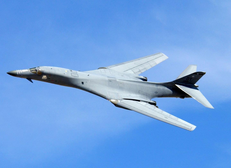 B-1Bs Around the World Nonstop at Mach 0.92: The Legendary 1995 Operation Coronet Bat