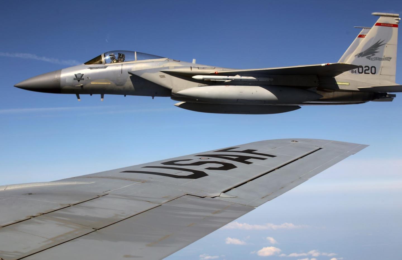 Russia vs. America: Su-35s Attack F-15s and F-16s (Who Wins?)