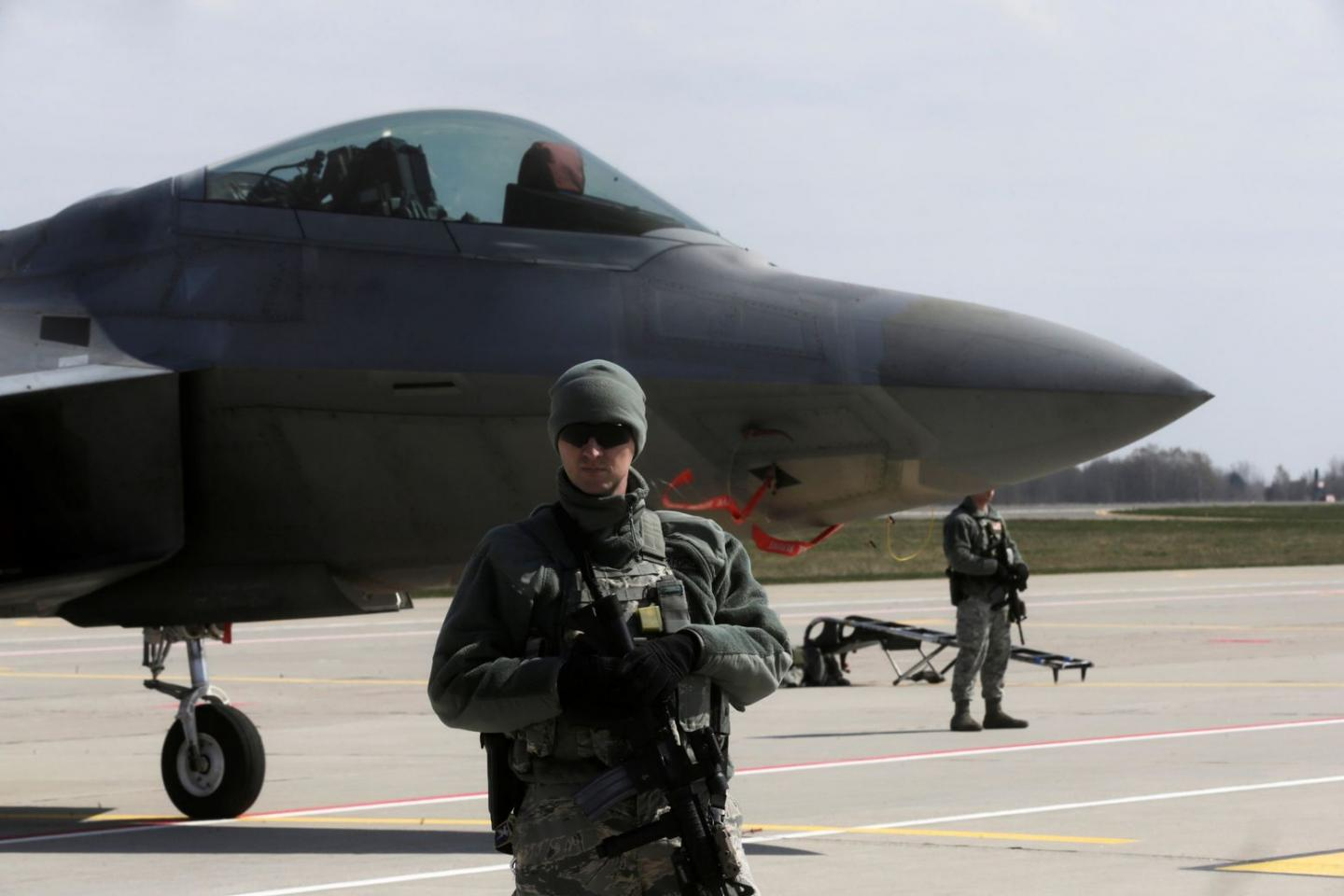 Can China Track and Shoot Down the F-22?