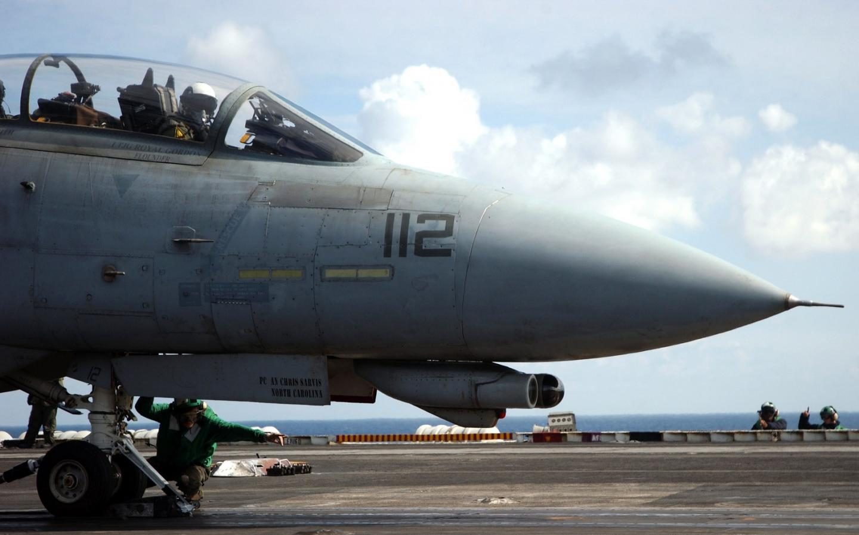 Death Match: U.S. Navy F-14 Tomcat vs. Air Force F-15 Eagle (Who Wins)?