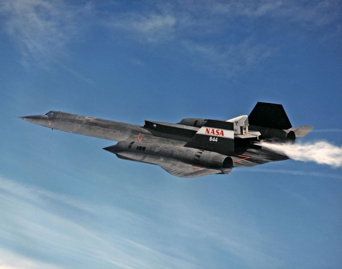 The Story of How Americas Mach 3 SR-71 Spy Plane Out Ran Missiles