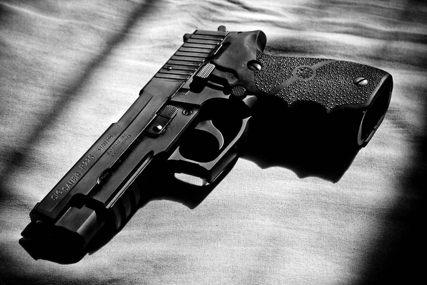 Why the Navy SEALs Loved the Sig Sauer P226 Gun