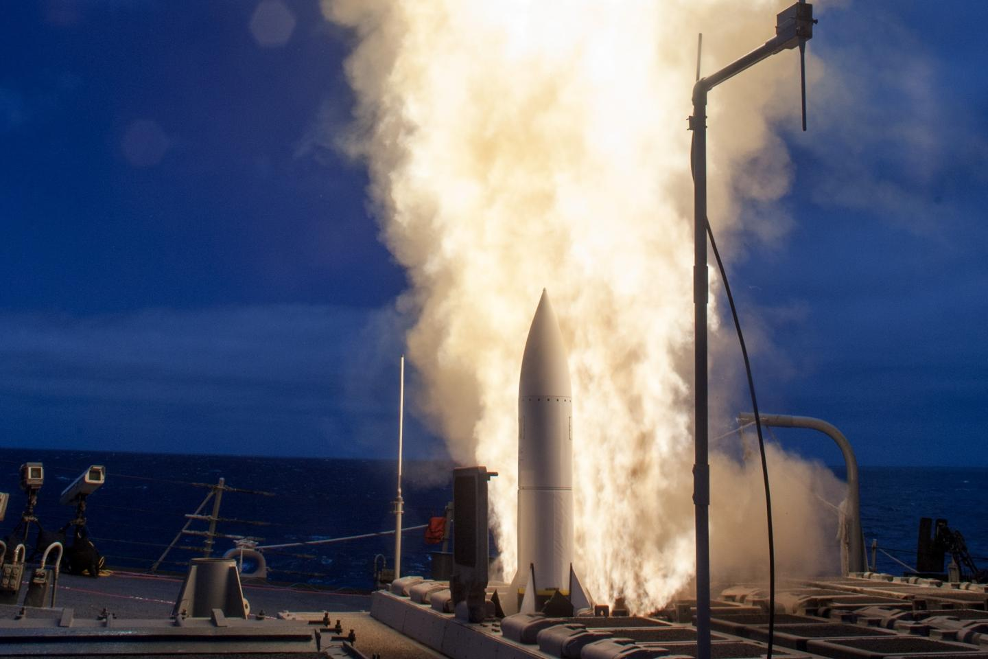 China vs. America in the South China Sea is a Missile Stand-Off. Who Would Win?