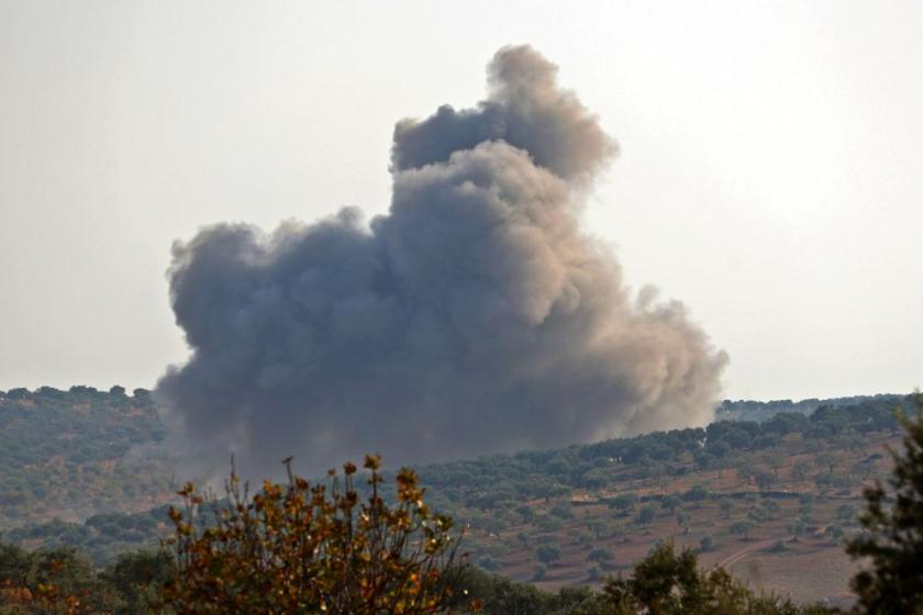 U.S. airstrikes in Iraq and Syria hit sites linked to Iran