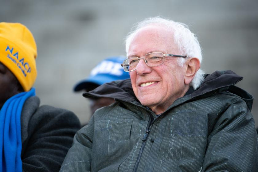 Despite apparent preference for moderate candidate, Iowans back Sanders in latest poll