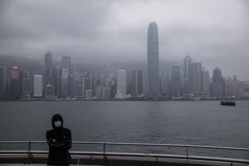 Hong Kong, U.S. take steps to curb coronavirus spread