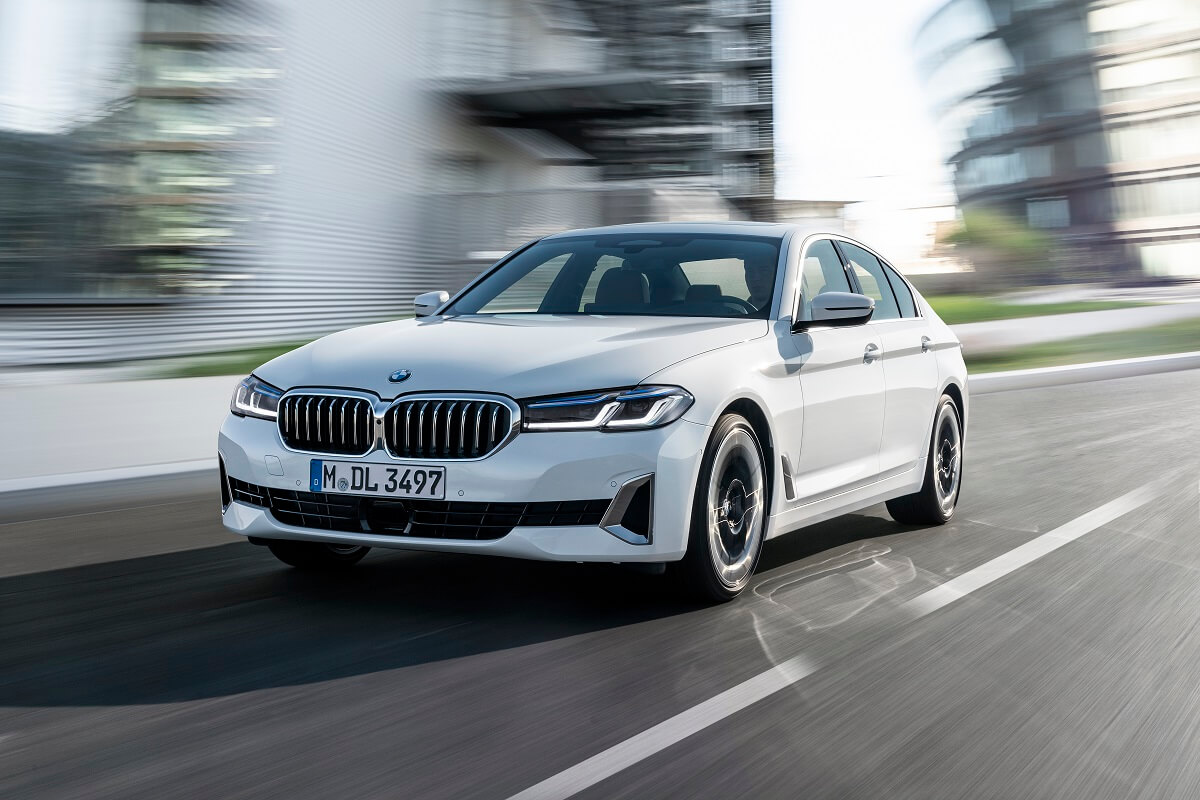P90389053_highRes_the-new-bmw-540i-sed.jpg