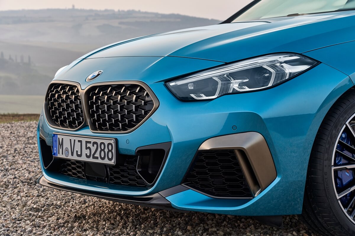 P90370510_highRes_the-all-new-bmw-2-se.jpg