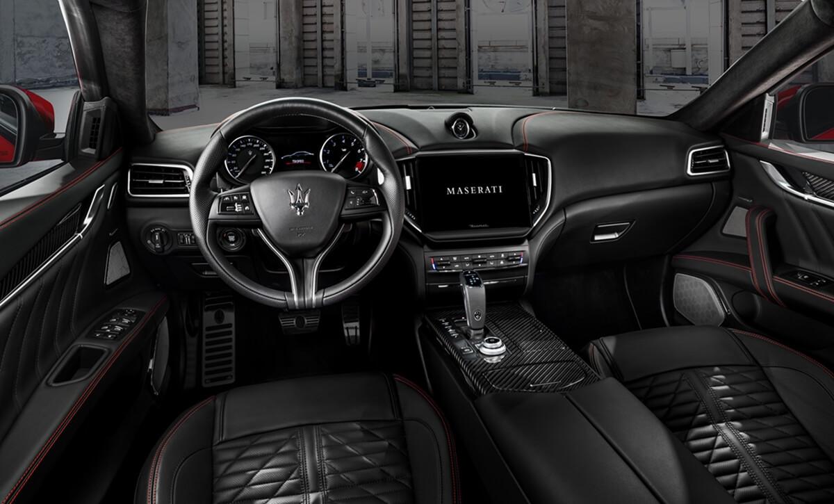 23_Maserati_Ghibli_Trofeo.jpg