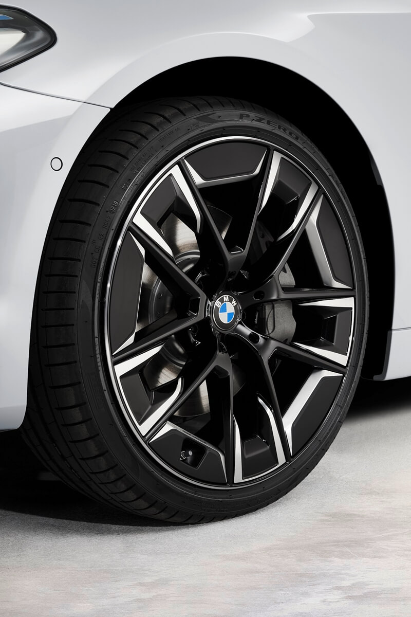 P90389070_highRes_the-new-bmw-540i-sed.jpg