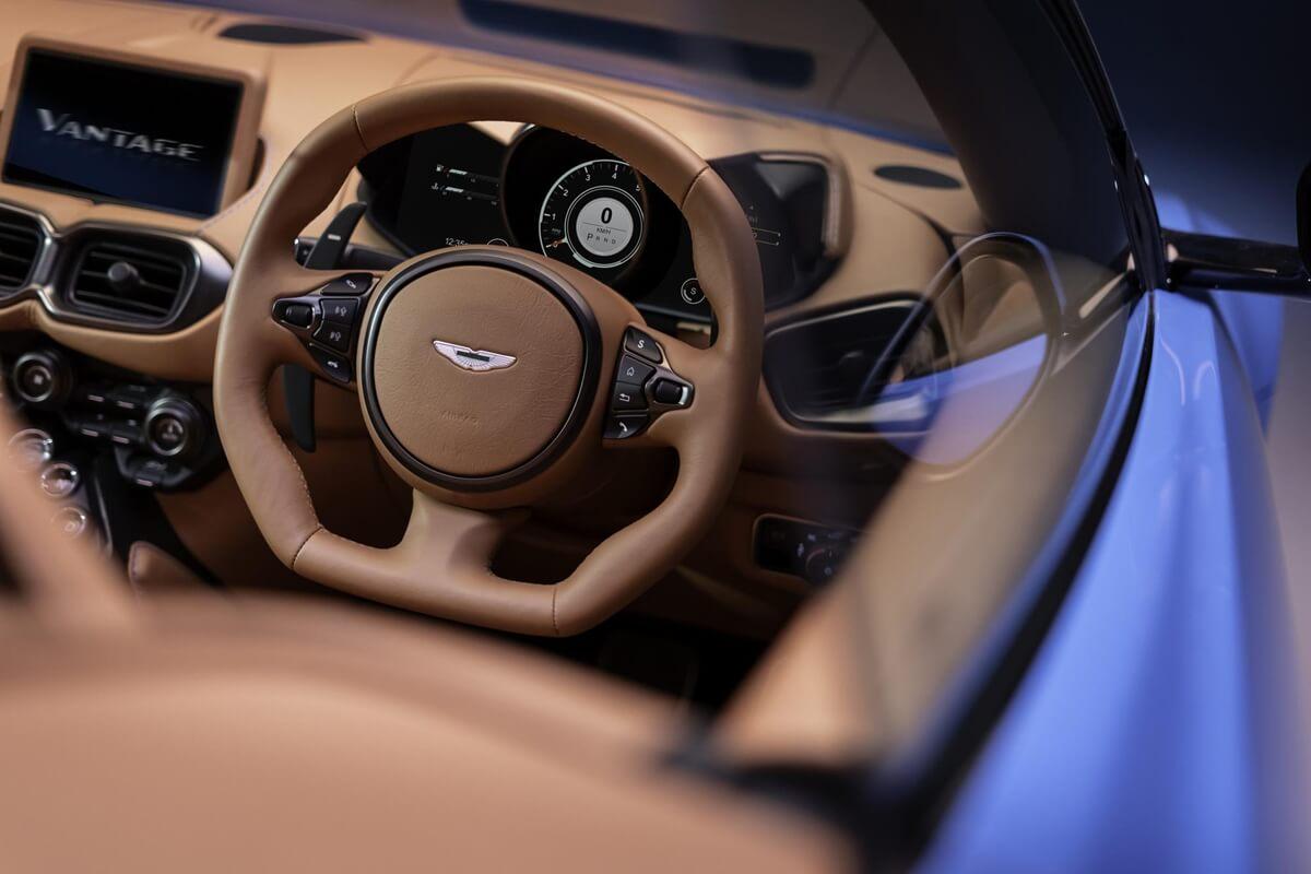 Aston-Martin-Vantage-Roadster_010.jpg