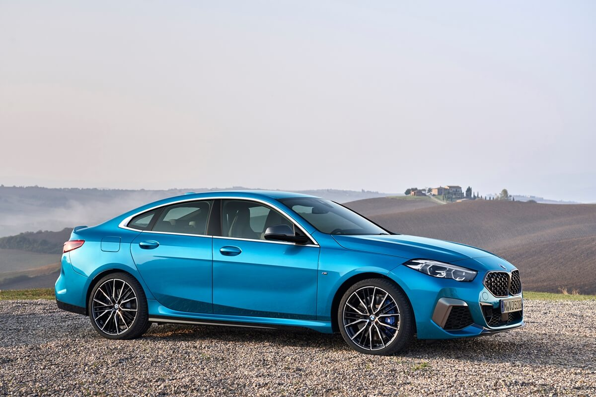 P90370535_highRes_the-all-new-bmw-2-se.jpg