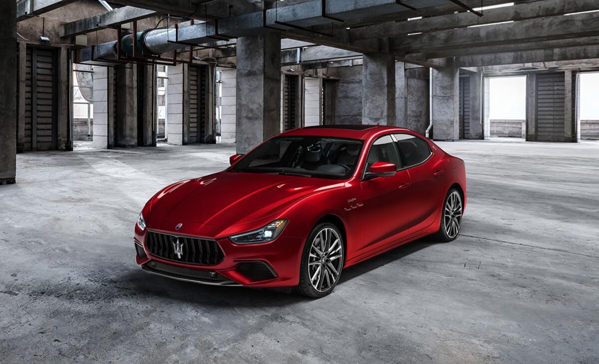 17_Maserati_Ghibli_Trofeo.jpg