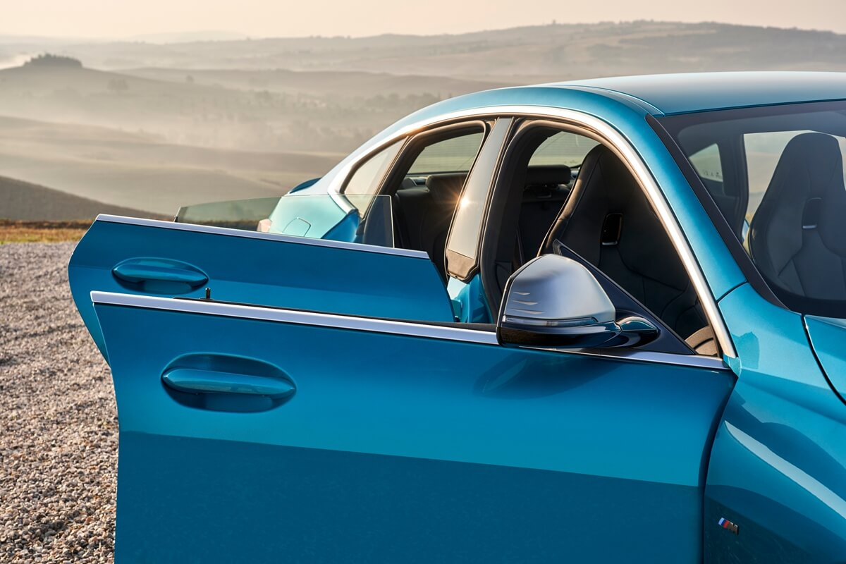 P90370514_highRes_the-all-new-bmw-2-se.jpg