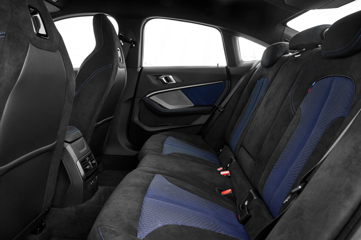 P90370564_highRes_the-all-new-bmw-2-se.jpg