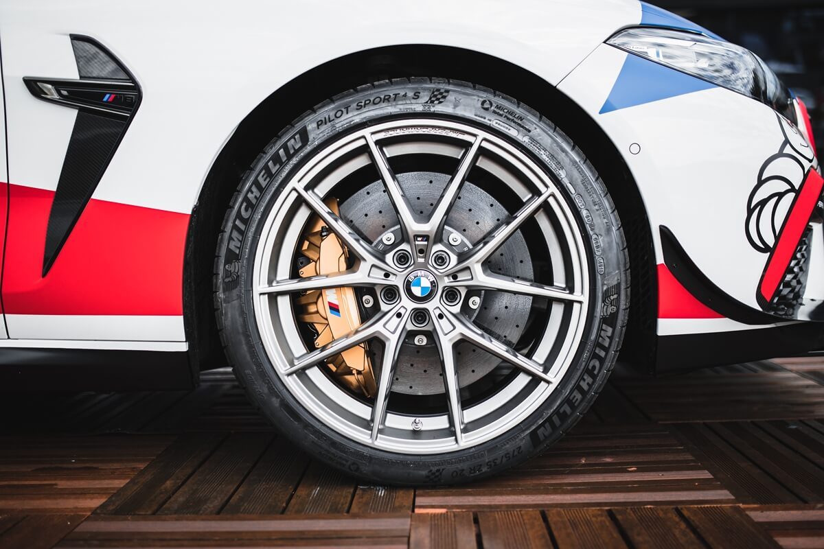 P90362210_highRes_bmw-m-gmbh-official-.jpg