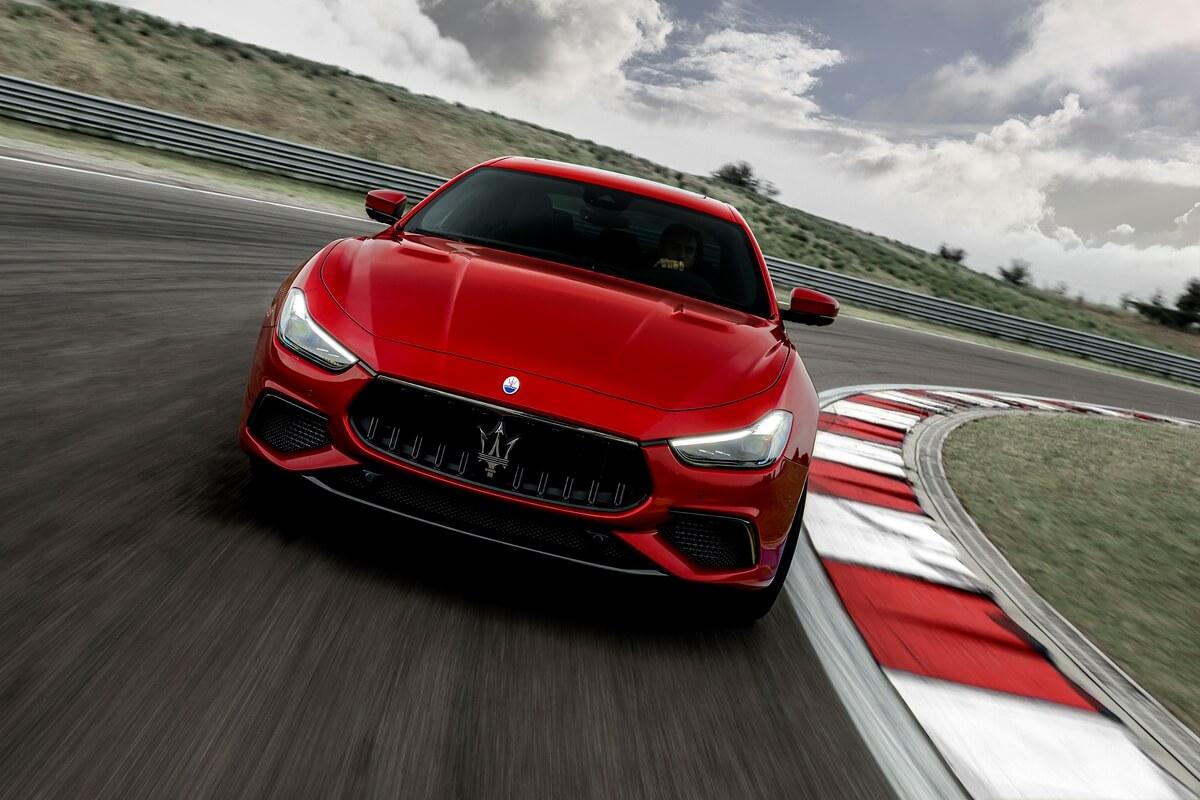 33_Maserati_Ghibli_Trofeo.jpg