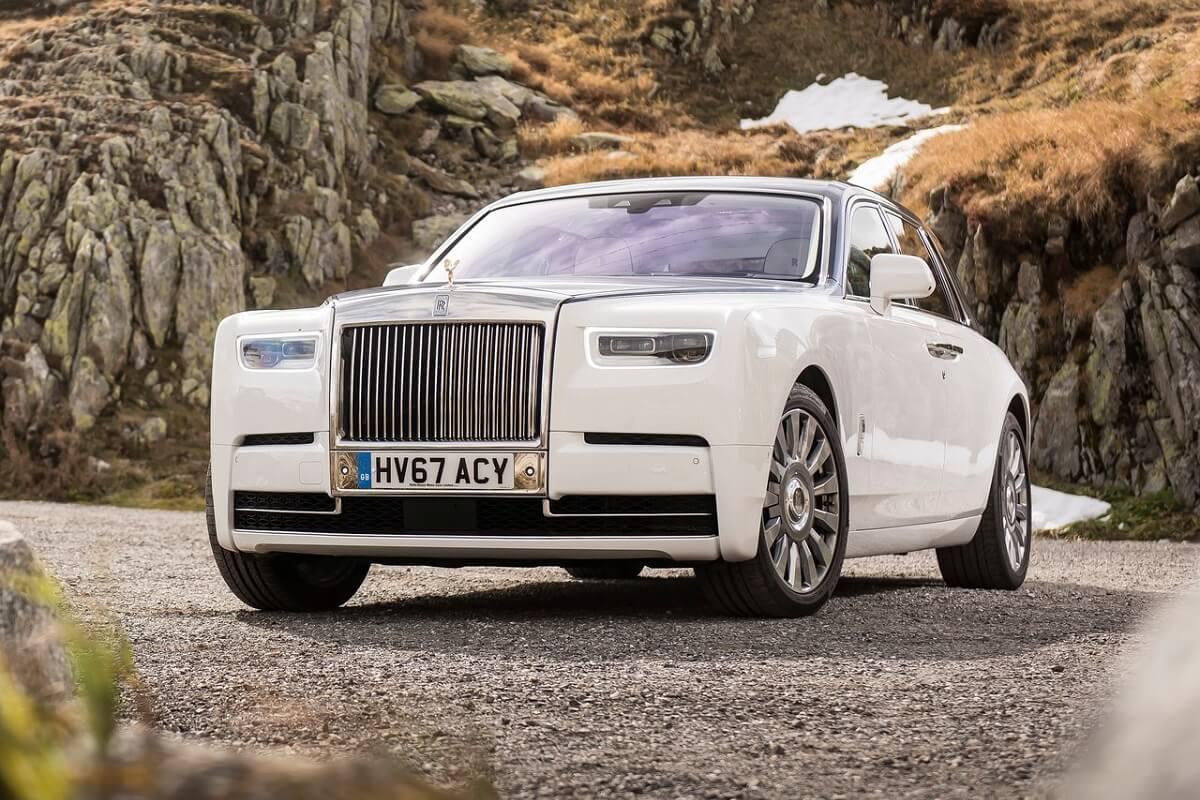 Rolls-Royce-Phantom-2018-1.jpg