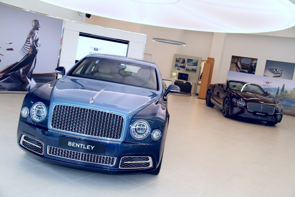 bentley-mulsanne-ewb-w-o-edition-by-mulliner-continental-gt-convertible